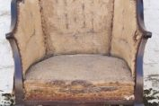 English Edwardian armchair. Pretty shaped Edwardian armchair